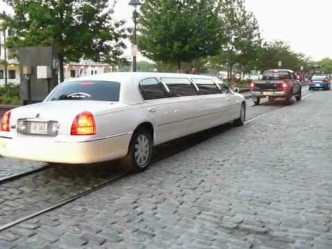 2003 Lincoln Town Car Limousine Youtube