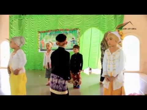 Tarian yarobbibil mustofa TKIT Raudhatul Azhar Masbagik lombok timur NTB  01