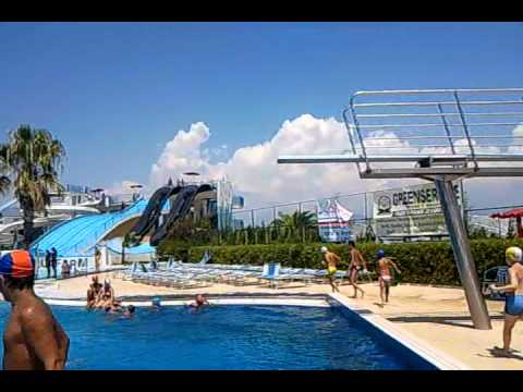 Incredibili acrobazie all Acquafarm di Battipaglia (Salerno) - YouTube