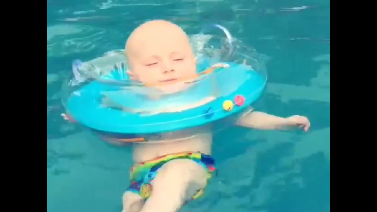 Otteroo Neck Float for Babies: Bath & Pool Time Fun - YouTube