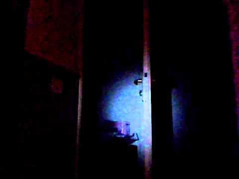 bruitage grincement de porte