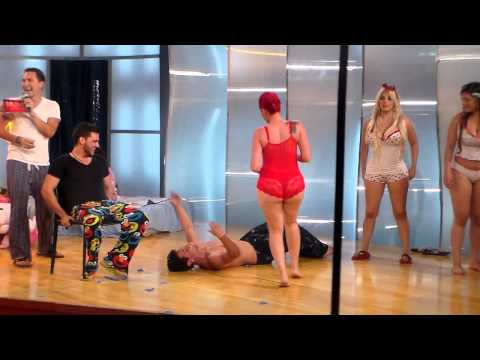 reto baila la noche 3 revienta los globos mujeres