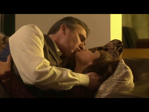 Dido Miles (Dr Emma Reid) Goes Home With Her Boss | 25 July 2015