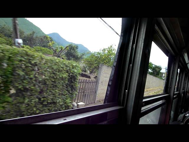 Chicken bus 1: heading from Antigua to Pastores Travel Video