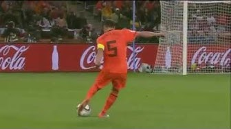 Giovanni Van Bronckhorst long shot goal vs Uruguay
