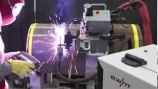 Орбитальная сварка полуавтоматом pipeTruck от EWM.(На видео продемонстрирована система pipeTruck в работе., 2014-01-29T15:52:17.000Z)