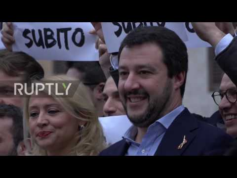 Italy: Matteo Salvini heads sit in demanding early elections