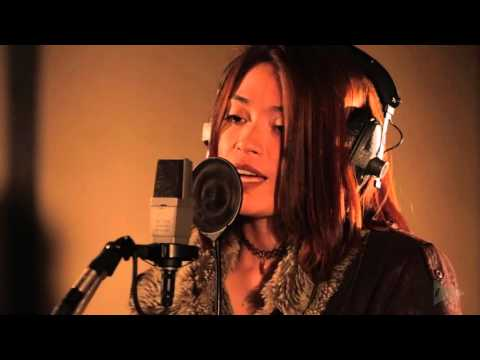 Sarah Godard - There will be tears (Mr. Hudson cover) - Woodpecker Live