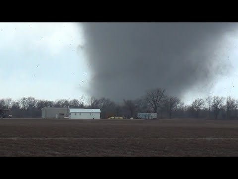 40 Minutes of Raw, Gratuitous, Destructive Tornado Footage