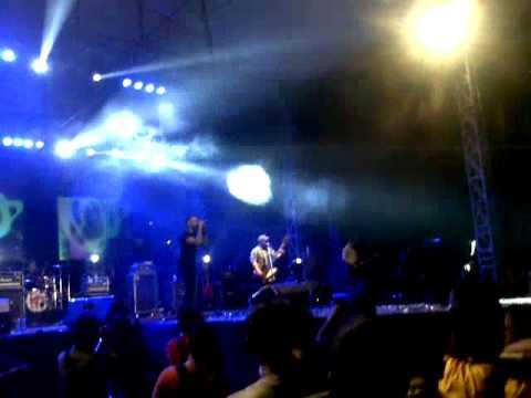 NIDJI - HOLD UP at Smansa Semarang
