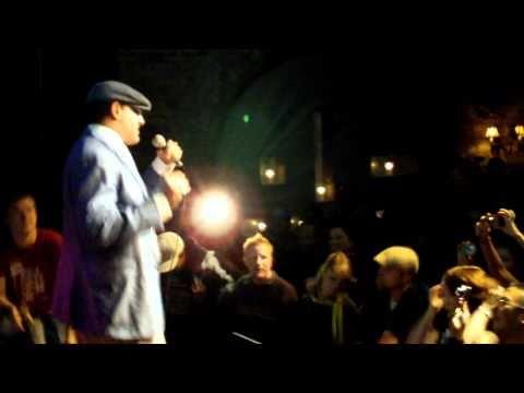 Notorious B.I.G - Hypnotize (Hip Hop Karaoke Toronto Sept 17, 2010)