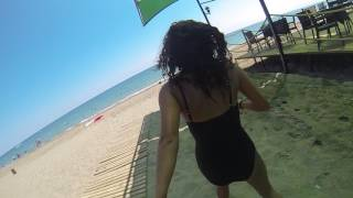 Турчанка смущается камеры Ёзлем на пляже 2(Спасибо за просмотр и подписку) Ждем ваших Комментов и лайков) Смотрите так же другие наши видео ролики :-), 2017-03-03T02:24:40.000Z)