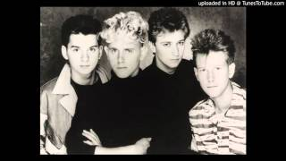 02. Shout - depeche mode [The BBC Paris Studio, London 1982]