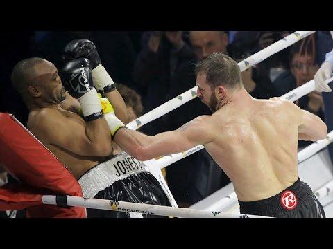 Roy Jones Jr vs. Enzo Maccarinelli fight in Moscow