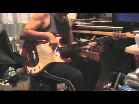 Eko Kadett bass