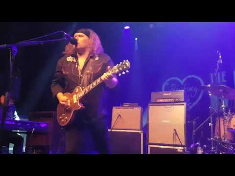 Julian Sas band 2