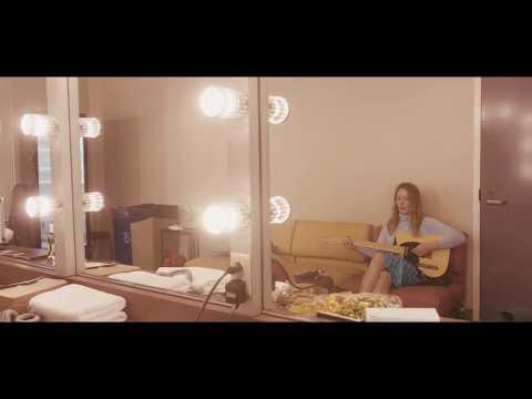 Julia Jacklin - Comfort  (Official Live Video)