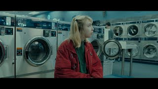 Download Beach Bunny - Prom Queen (Official Video)
