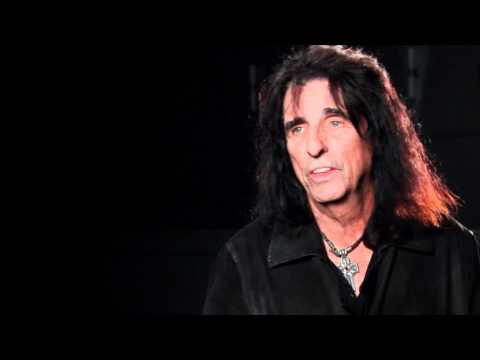 2011 Hall of Fame Inductee Alice Cooper Discusses Laura Nyro