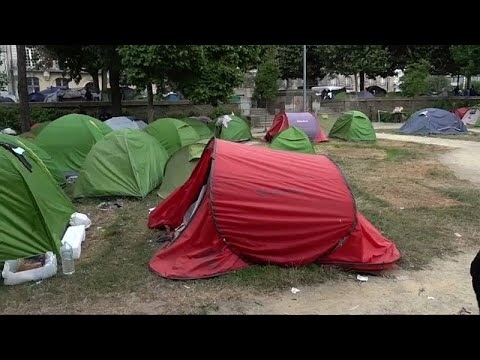 شاهد: محكمة فرنسية تقضي بإزالة 280 خيمة لاجئ و مهاجر  - نشر قبل 34 دقيقة