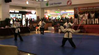 SILAMBAM MGR DEMO AT TIME SQUARE FOR JAPAN & MALAYSIA MIX MARTIAL