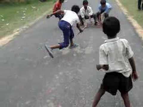 Gilli Danda or Guli Dunda (India, Bangladesh, Nepal, Afghanistan, Pakistan)  - Traditional Sports