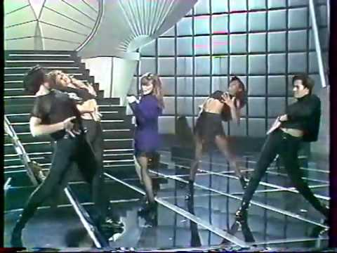 Paula Abdul - Straight Up (Live) (Canadian TV) (HQ)