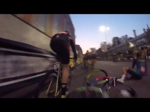 Red Hook Crit 2017 Last Chance Race Crash