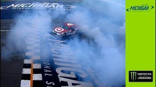 Big-Time Burnout Tears Up The Grass For 2-Mile Kyle