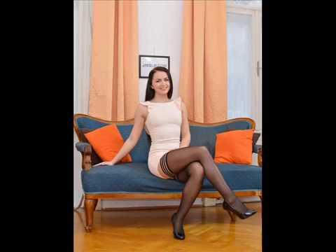 Фото девушки в чулках колготках под юбкой, фото клитора баб