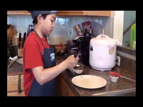 Banh Cuon Vietnamese Steamed Pork Rolls.flv