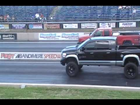 Drag Race Dodge Mega Cab 6 7 Diesel Cummins Vs Chevy Duramax 6 6