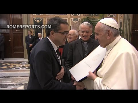 "Pope Francis awards the ""Theology Nobel"" to an Orthodox and a Catholic priest"