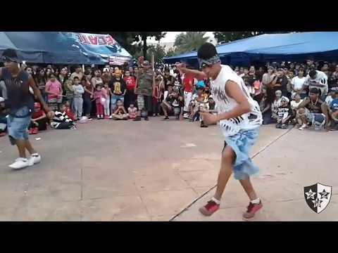Cholos bailando cumbia