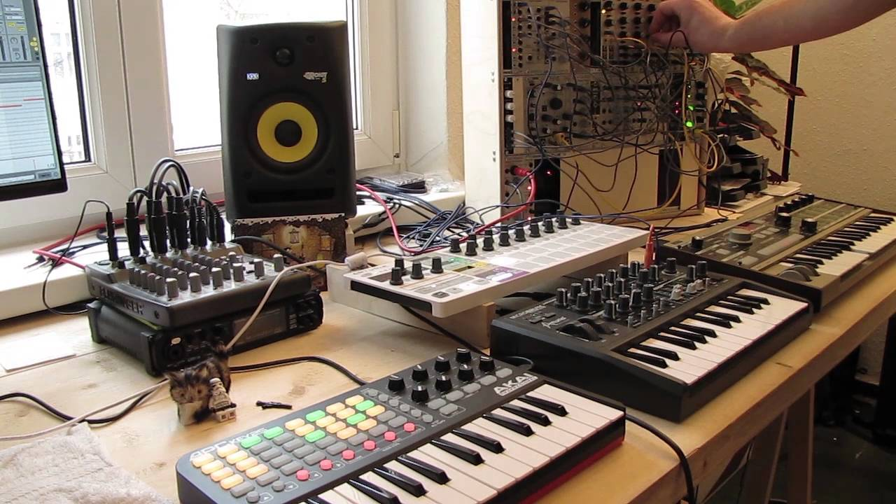 live jam 26 techno ambient apc key microbrute microkorg beatstep pro modular. Black Bedroom Furniture Sets. Home Design Ideas