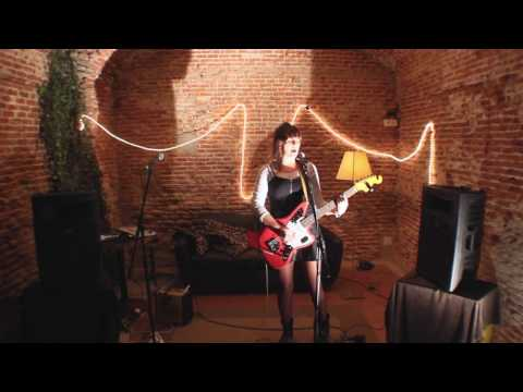 Emme Woods - Mary (Barrie James O'Neill) Live in Madrid
