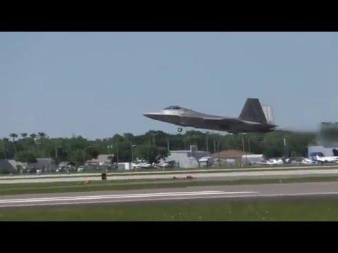 F-22 Raptor WOWS crowds @ SUN 'n FUN 2016