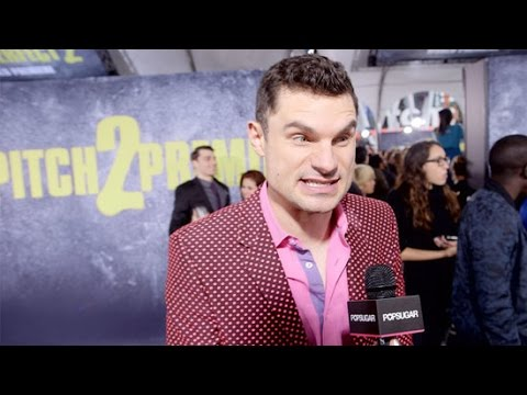 Flula Tries Our Pitch Perfect 2 Singing Challenge at the Premiere!