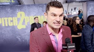 flula tries our pitch perfect 2 singing challenge at the premiere