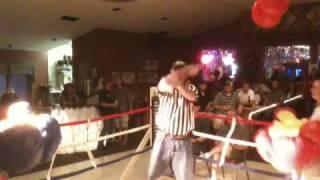 Foxy Boxing Round 3