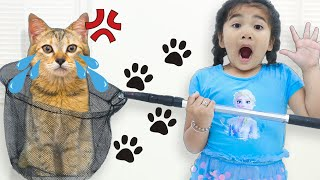 Suri and Sammy Pretend Play Looking for Lost Pet Kitty Cat