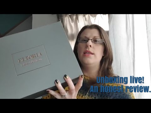 Eltoria\'s 12 Days of Christmas Advent Calander. An honest unboxing!
