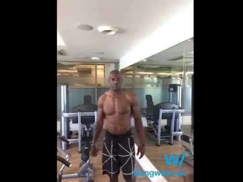 Working out w/ SHIRTLESS Terrell Owens