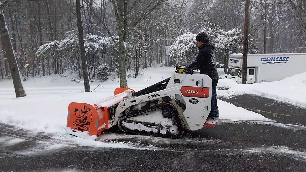 Bobcat MT 85 snow removal 6 ft scoopdogg