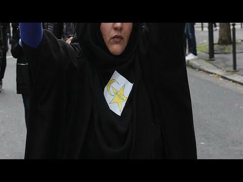 نجمة صفراء حملها متظاهرون ضد الإسلاموفوبيا في فرنسا تثير الجدل بين اليهود…