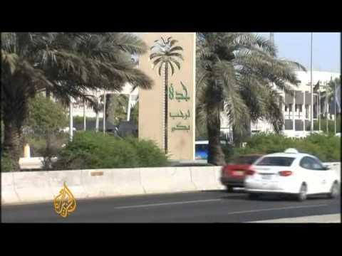 Saudi women drive to defy ban