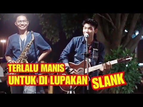PENGAMEN INI NYANYI LANGSUNG DIAJAK SELFIE!!! TERLALU MANIS - SLANK COVER BY TRI SUAKA