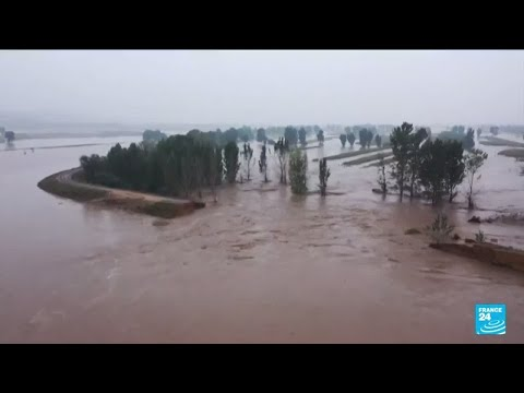 Thousands evacuated and coal mines shuttered as floods hit north China • FRANCE 24 English