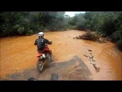 Trilha Atravessando Rio Cheio Macacos CRF