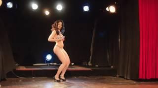 Betsy Swoon - Burlypicks - Improv Act